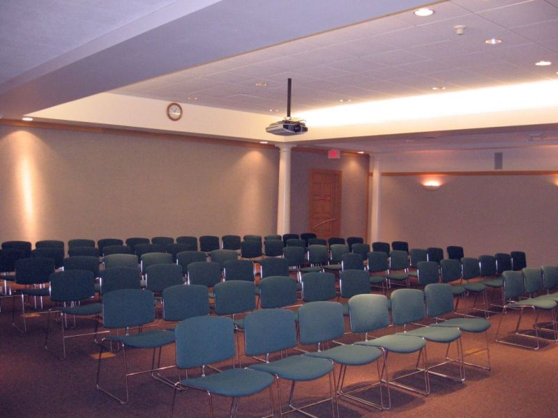 large_meeting_room_IMG_0471