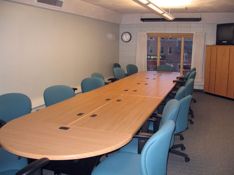 small_meeting_room_IMG_3069